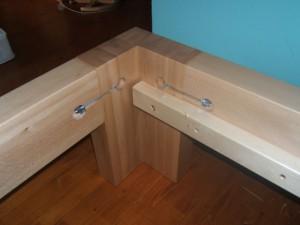 konstrukce-drevene-postele-1